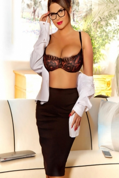 Esmee, Escorts in London