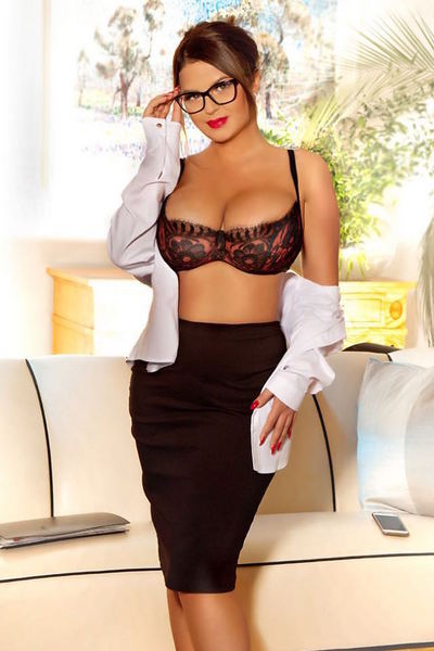Eva, Outcall Only Escort