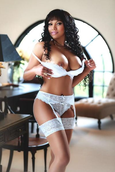 Kyra, Escorts in London