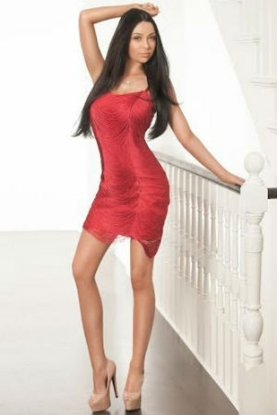 Axxy, Escorts in London