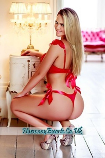 Bella, Agency Escort