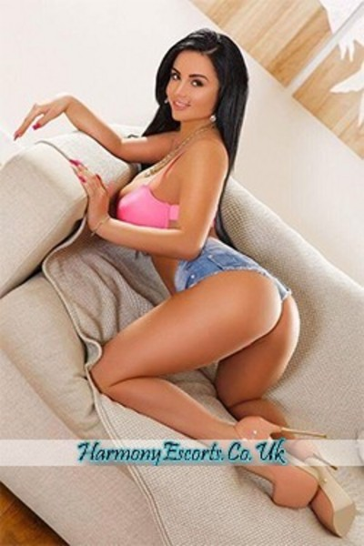 Phoebe, Escorts in London