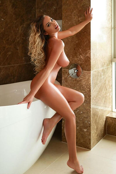 Belinda, Agency Escort