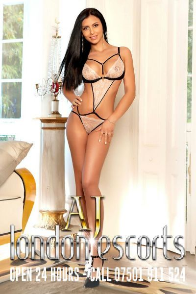 Aisha, Escort in Kensington