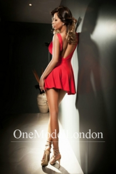 Farah, Mayfair Escort