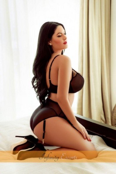 Dolly, Escort in Edgware Road