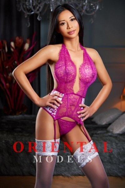 Mia, Agency Escort