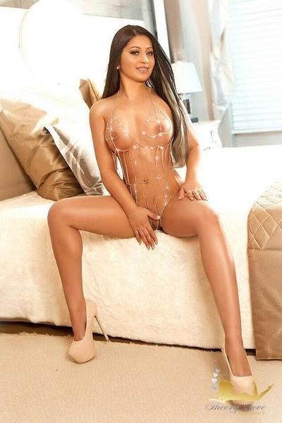 Paola, Escort in Bayswater
