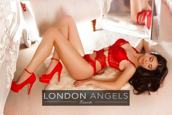 DAYNA, Agency Escort