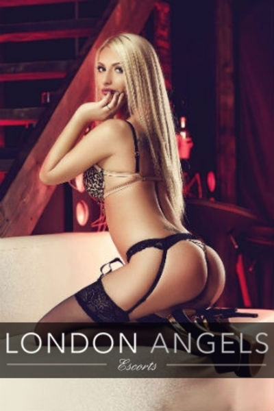 ARIANA, Agency Escort