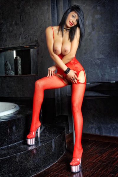 Sophia, Escort in Oxford Street