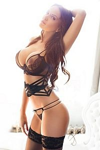 Edna, Escorts in London