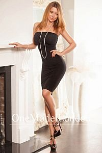 Evelyne, Escorts in London