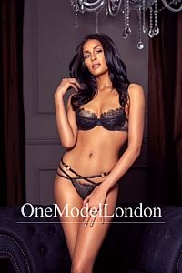 Aalya, Escort in Bayswater