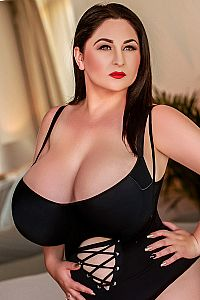 HOLLY, Bayswater Escort