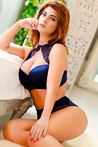CAROLINE, Escorts in London