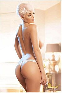 Pink, Escorts in London